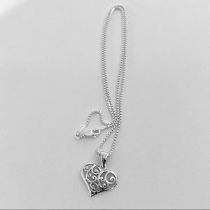 ❤️❤️NEW❤️❤️ Sterling Silver Swirl Heart Necklace